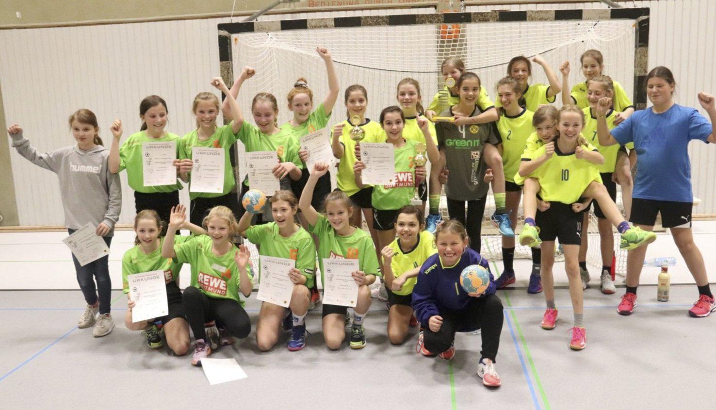 WK IV Handballer/innen holen Stadtmeister- und Vizestadtmeistertitel